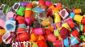Interdiction des plastiques jetables ; un bras de fer entres états et lobbys européens.