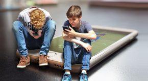 Les téléphones portables interdits dans les écoles et collèges dès la rentrée 2018.